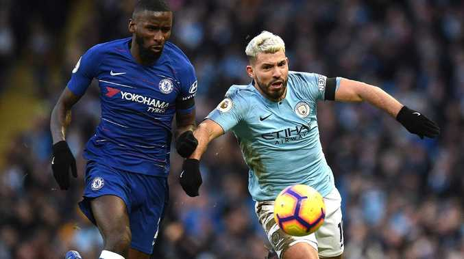 Chelsea's German defender Antonio Rudiger (L) vies with Manchester City's Argentinian striker Sergio Aguero as day when City underscored their premiership credentials (Photo by Oli SCARFF / AFP)
