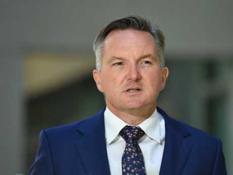 Shadow Treasurer Chris Bowen held the immigration portfolio when Labor was in government. Picture: AAP