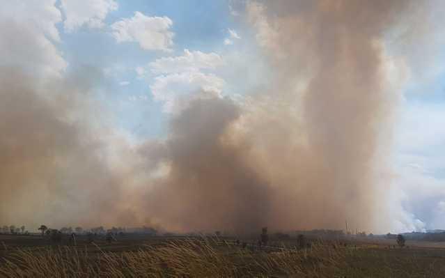 EMERGENCY WARNING: Erratic winds fan 'large dangerous fire