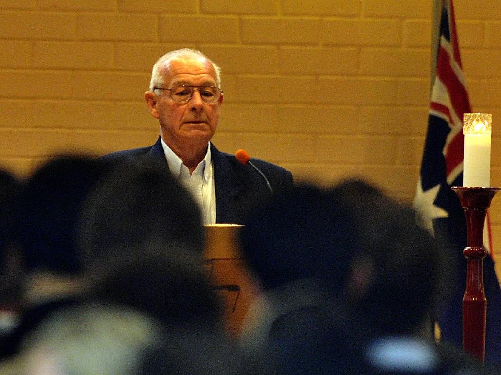 Roger Rogerson speaks at the funeral of Graham 'Chook' Fowler. File picture