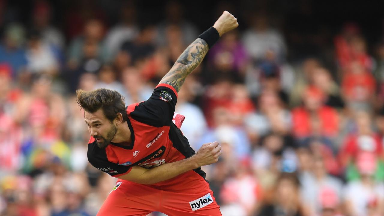 Kane Richardson says the Big Bash competition time frame needs to be reduced. (AAP Image/Julian Smith)