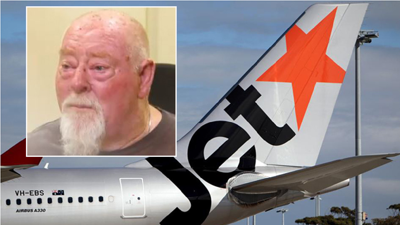 Ian Smith, 67, says he was refused a Jetstar flight because of his weight.