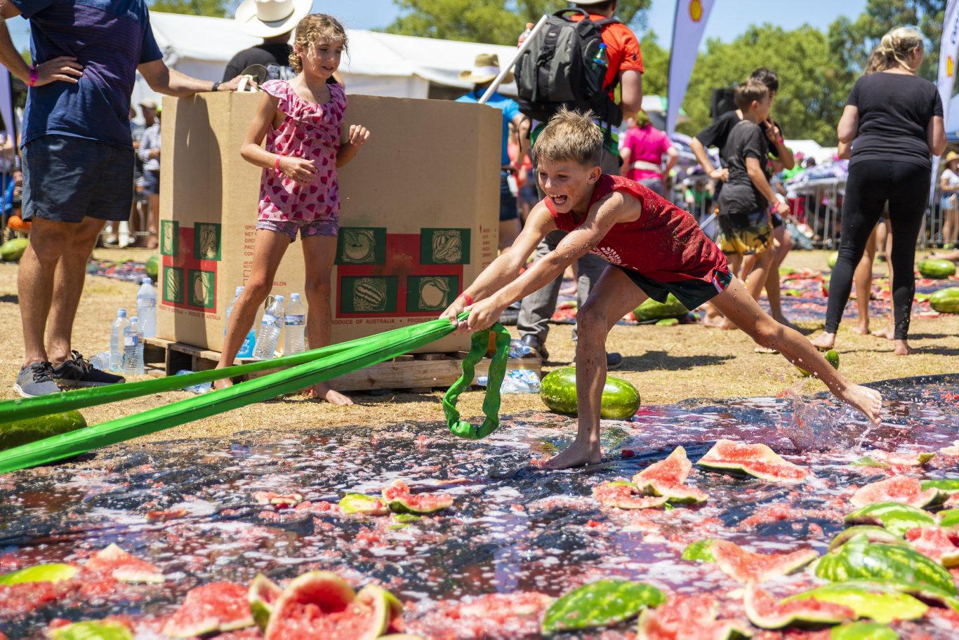 Melon Slip, Dip and Pull - Chinchilla Melon Festival arena events 160219