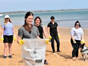 Fraser Coast students coming together to clean up beach