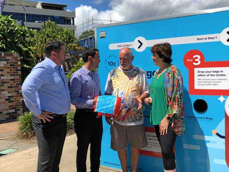 MP Andrew Powell, Shadow Environment Minister David Crisafulli, Maroochydore resident Ian Robertson and MP Fiona Simpson discuss the issues around the Container Deposit Scheme.