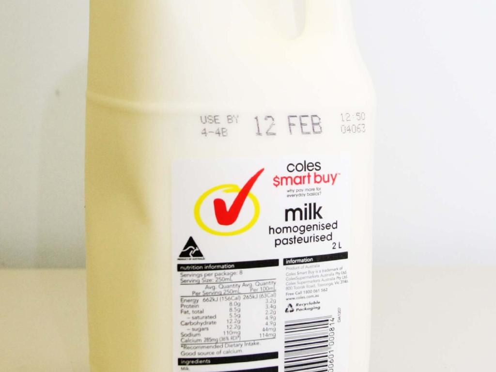 Coles says it will not raise the price of its milk, despite the move by Woolworths.