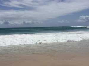 Cyclone Oma closes Noosa Beach