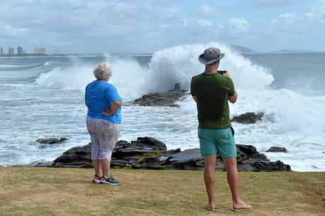 The first of the long period north easterly swell being pushed ahead of Cyclone Oma began registering on the Mooloolaba Wave Buoy from 6pm Wednesday. By Thursday morning onlookers at Mooloolaba were treated to a first glimpse of its building power.