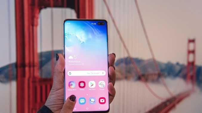 Samsung launches flexible Galaxy Fold