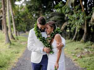 Surprise! A happy elopement in the Cook Islands