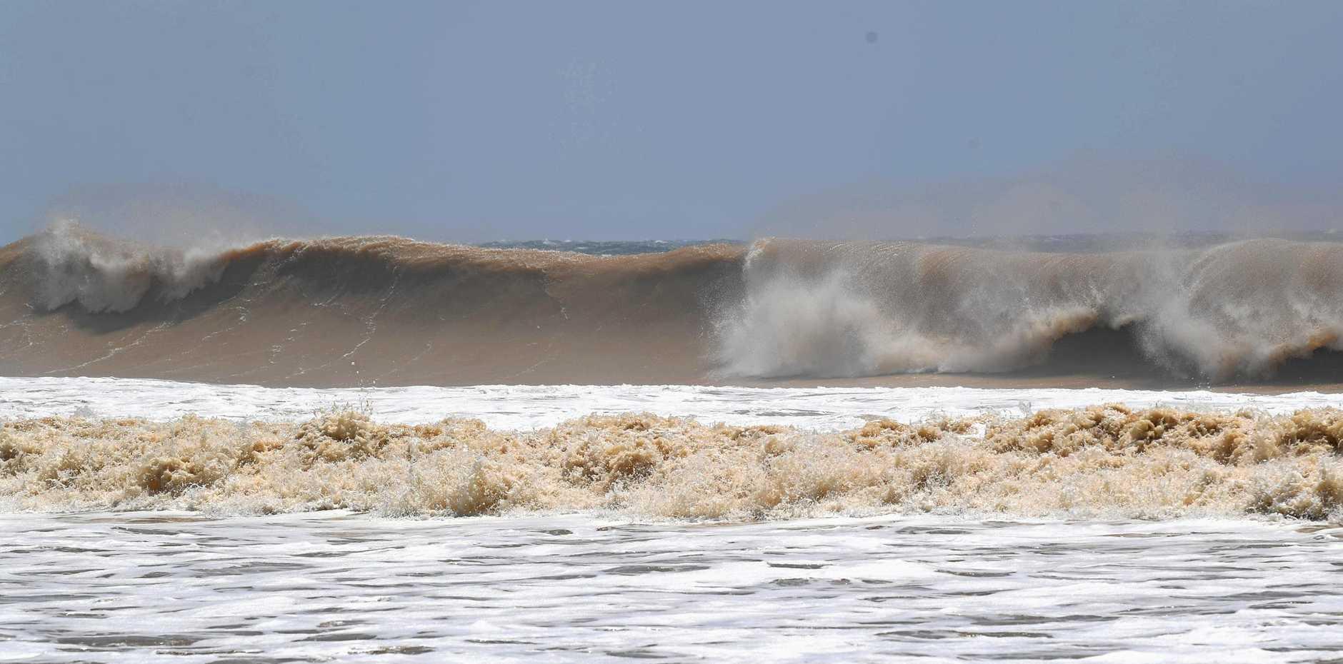 Rainbow Beach large swell cyclone Oma