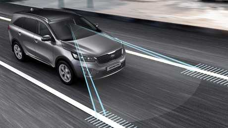 Wander wall: Kia Sorento's lane keeping assist