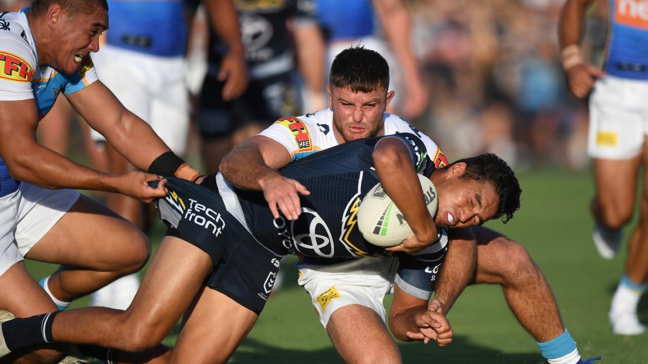 Te Maire Martin tries to breakthrough. (Scott Davis © NRL Photos)