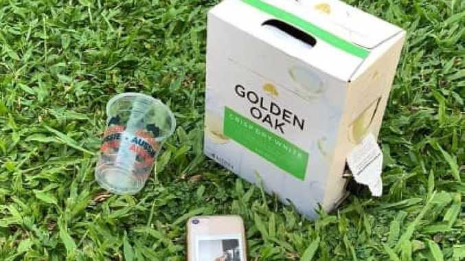 Have you lost a Golden Oak 4L goon sack, mobile phone and plastic cup?