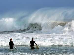 Ex-Tropical Cyclone Oma headed North
