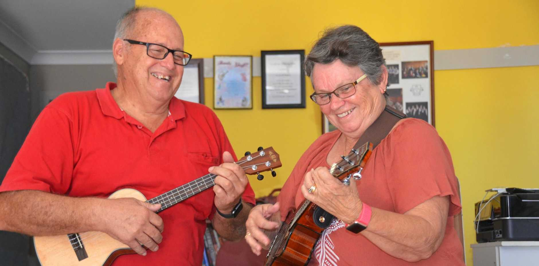 YOU CAN LELE: Dr Geoff Walden and his wife Lorraine want to boost the confidence of mature-aged locals by inviting them to learn the ukulele.