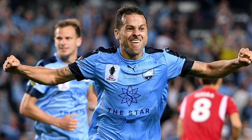 Bobo was a hero — but would Sydney still want him? (AAP Image/Dan Himbrechts)