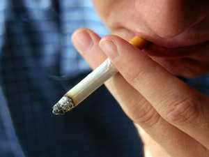Smokers 'risk depression, schizophrenia'