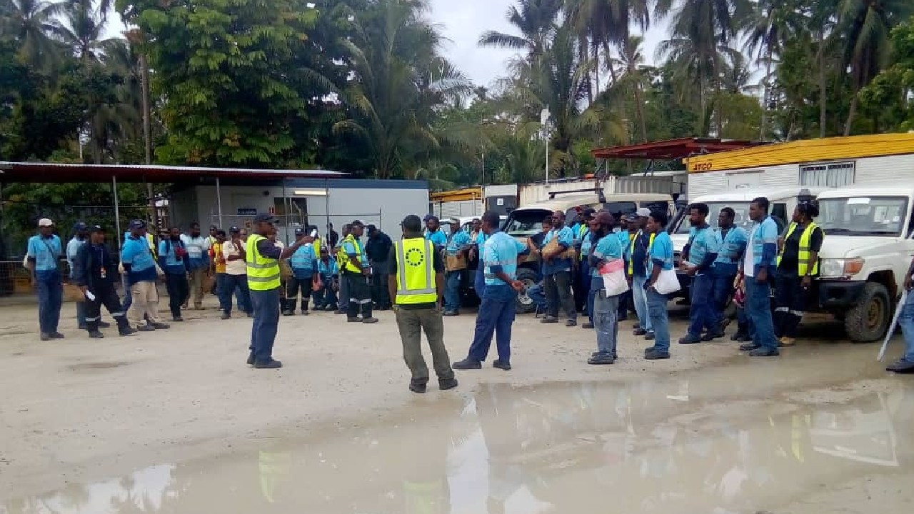 Outraged Paladin security guards on Manus Island have refused to work for the company that paid them as little at $1.50 per hour, allegedly leaving refugees without food for a night.