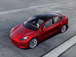 Tesla hacker finds wealth of personal data on crashed cars