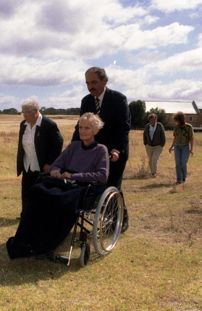 Former Tasmanian Premier Jim Bacon accompanies Aboriginal elders Ida West and Ruby Roughley on Flinders Island in 1999 as Wybalenna is returned to descendants.