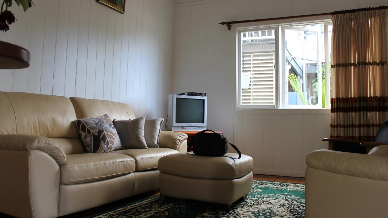 BEFORE: The living room in the home at 64 Alma St, Paddington, before it was renovated. Picture supplied by Ray White.