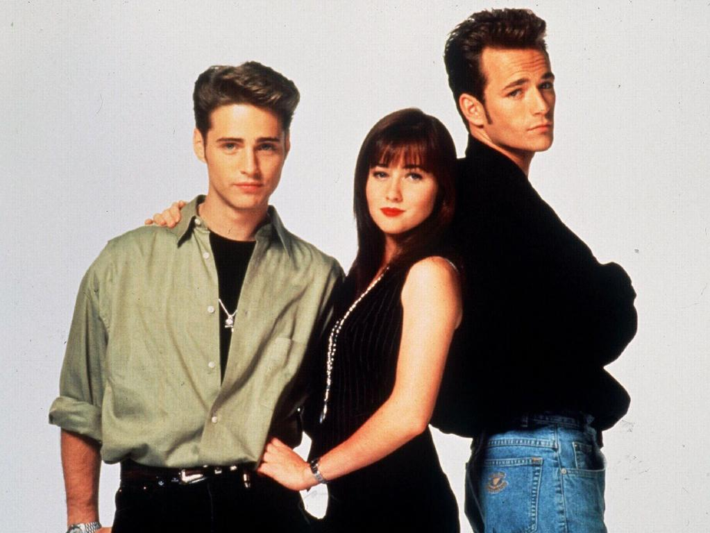 Jason Priestley, Shannen Doherty and Luke Perry in 1997. Picture: Supplied.