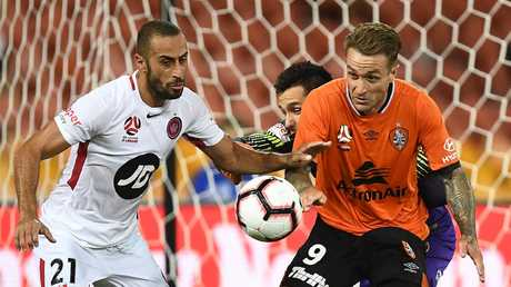 It's tough to seperate Tarek Elrich's Wanderers and Adam Taggart's Roar this weekend. Picture: Ian Hitchcock/Getty Images