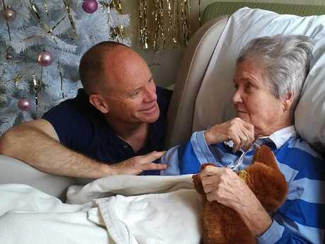 Campbell Newman and his mum Jocelyn Newman at Christmas, 2017.
