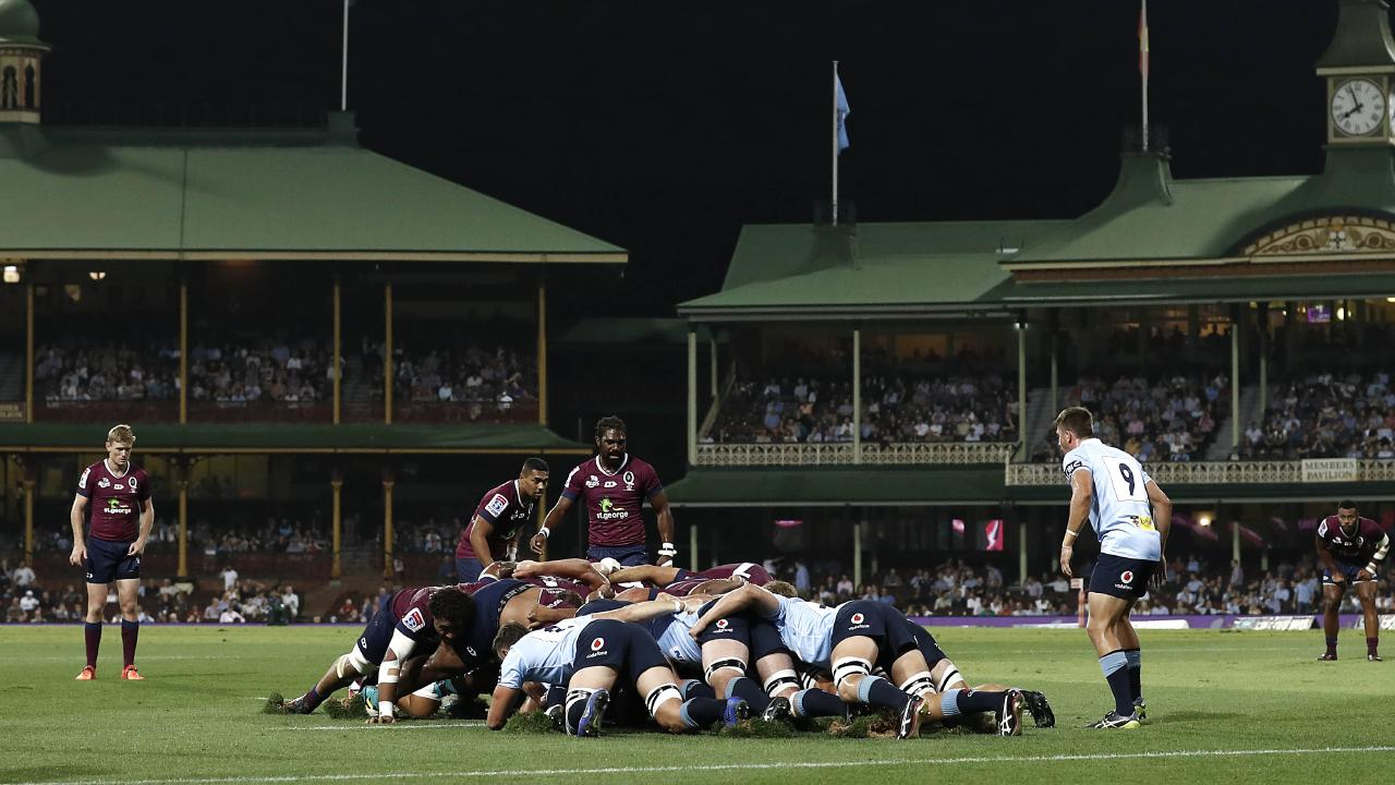 NSW and Queensland pack the scrum at the SCG.