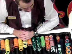 Caught: Casino croupier hides $5K chip in sock