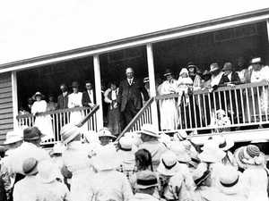 Governor helps Coolangatta school celebrate its centenary
