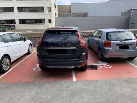 The dad slammed the other parent for their poor parking skills.