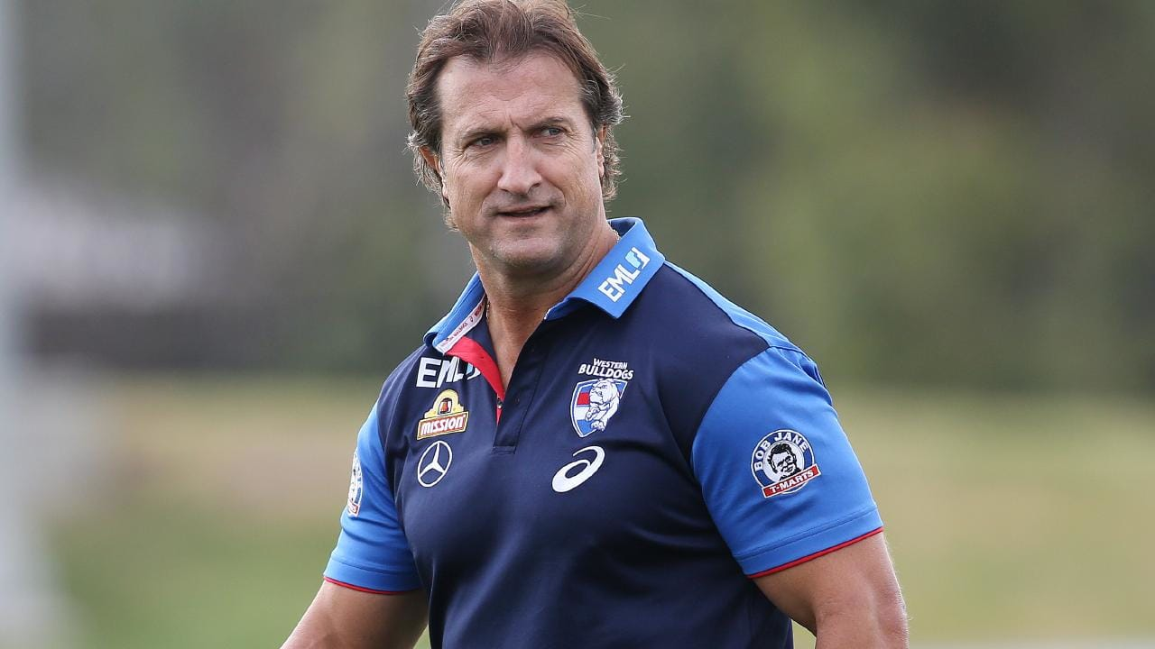 Western Bulldogs coach Luke Beveridge expects the AFL to backflip on its new rules on runners. Picture: Michael Klein