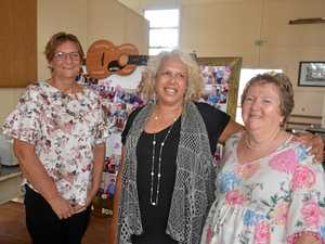 Musicians gather to fill Warwick hall with country tunes