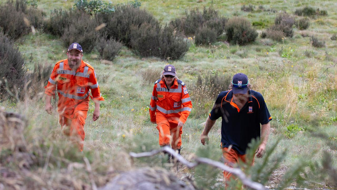 Police and SES crews scour rugged terrain in Mount Buffalo. Picture: Sarah Matray