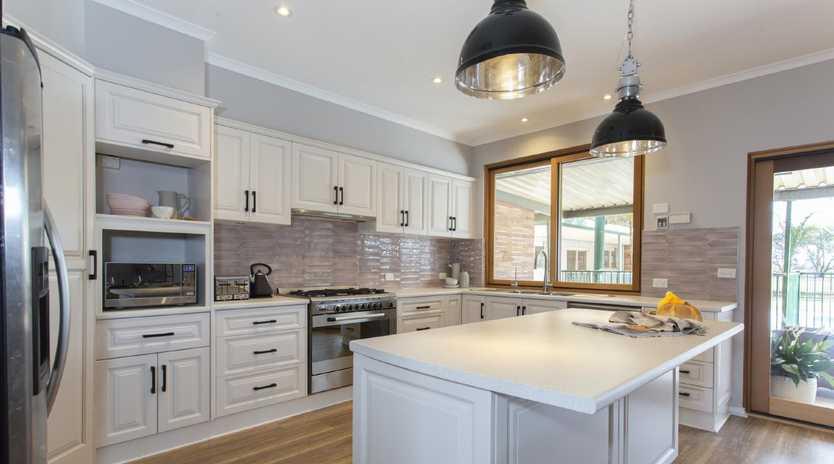 Looks like a Kardashian kitchen!