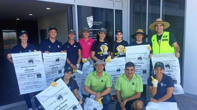 CQUni students and staff clean up