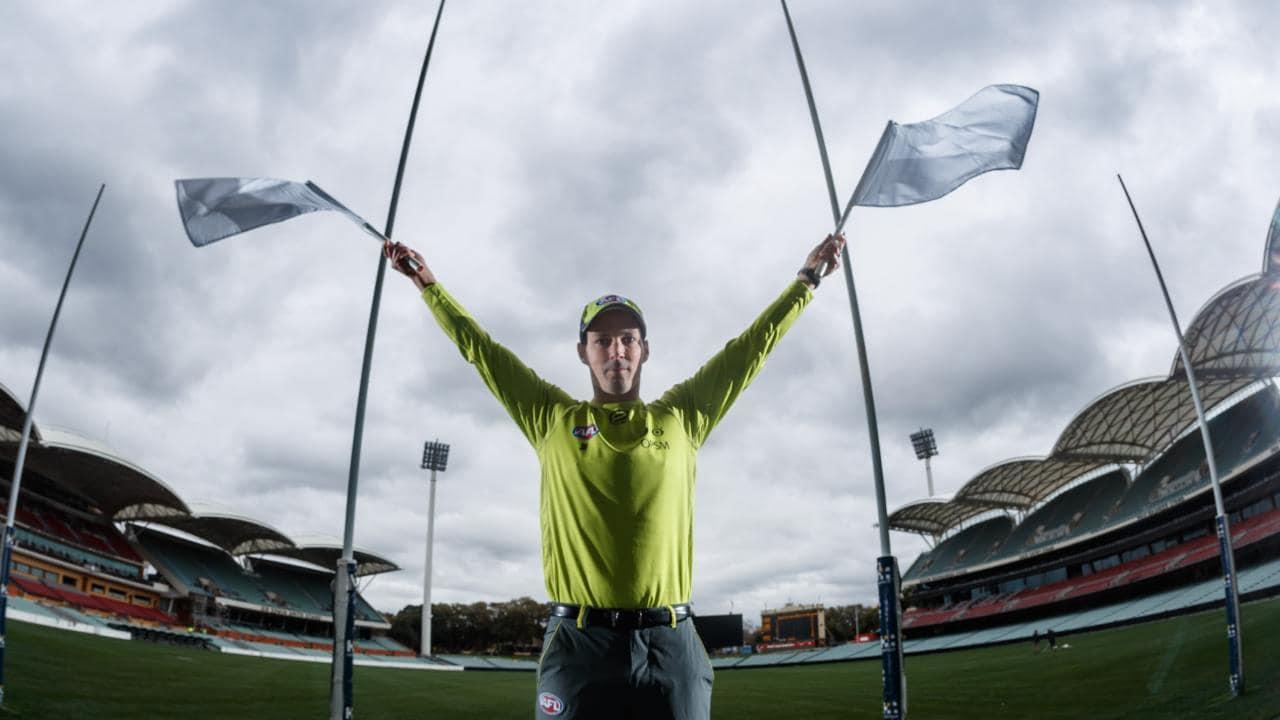 SA goal umpire Steve Axon. Picture: Matt Turner