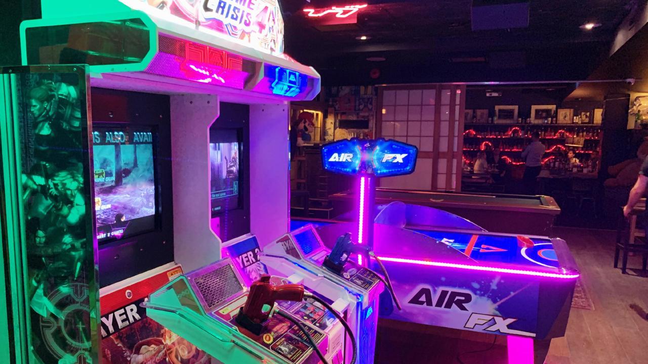 Japanese arcade machines at Goros.