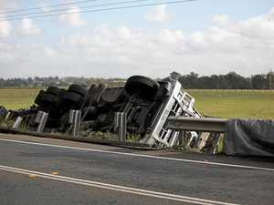 Truck rollover causes traffic chaos