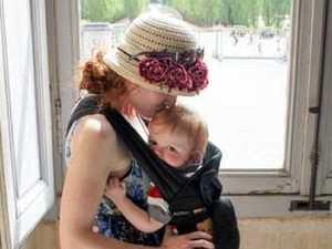 Anti-vaxxers attack grieving mum
