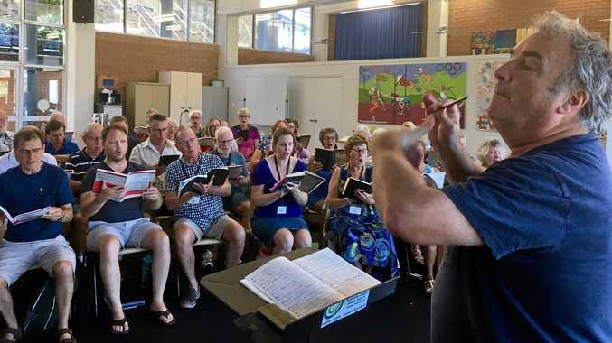 Grieves-Smith prepares Oriana Choir for Elijah performances