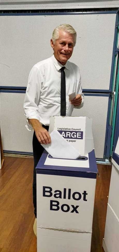 Tweed MP Geoff Provest casts his vote in Banora Point.