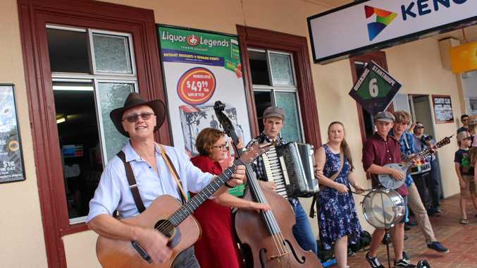GALLERY: Busking champions take to Stanthorpe's streets