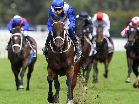 Jockey Hugh Bowman and Winx combine to win a fourth George Ryder Stakes.