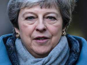 May offers 'last chance' Brexit deal