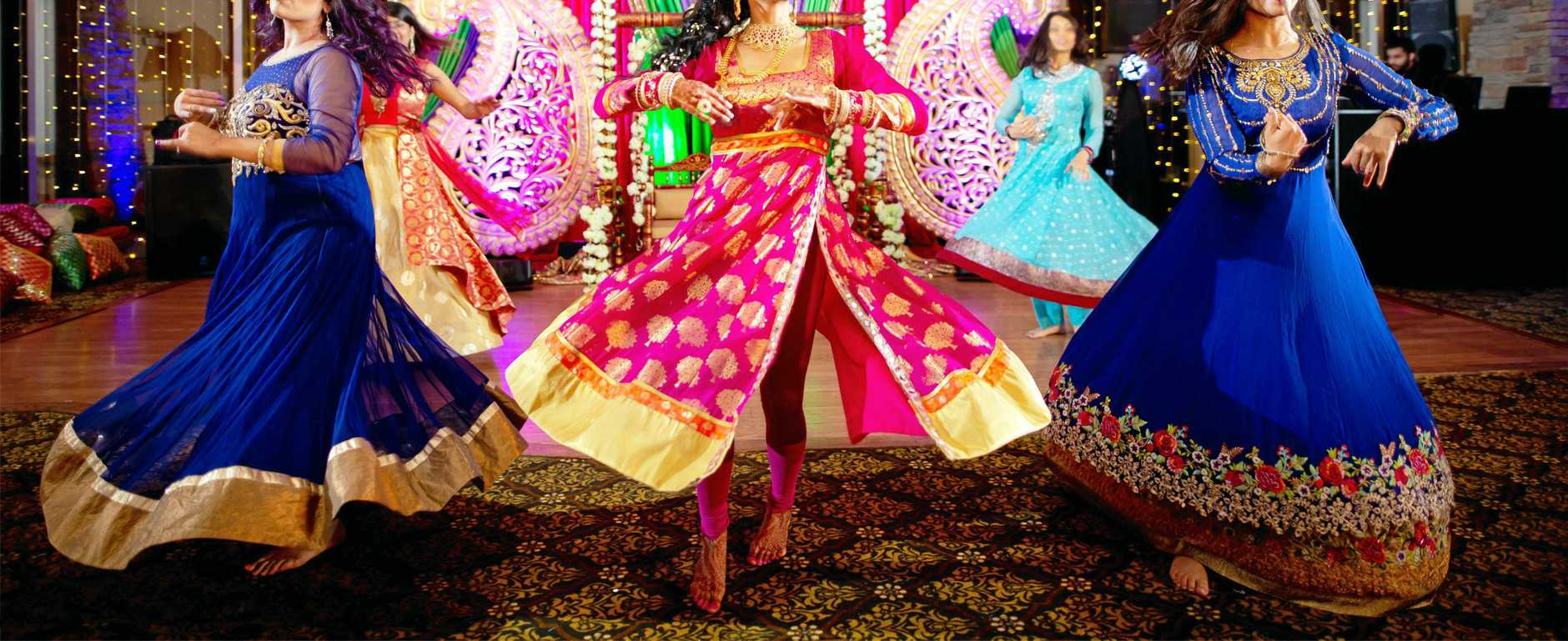 UNIQUE TRAVEL: Experience all the glamour and love a traditional Indian wedding.