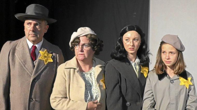 Clem van der Weegan as Otto Frank, Catherine Steer as Edith Frank, Caeli Hinkler as Margot Frank and Erin Blond as Anne Frank.