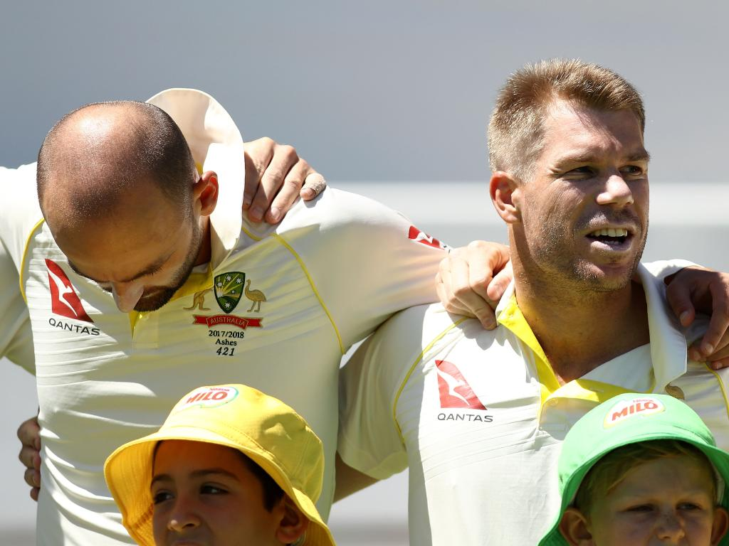 Nathan Lyon and David Warner. (Photo by Ryan Pierse/Getty Images)